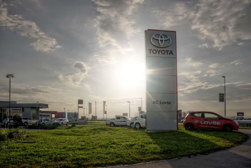 Poslovna Fotografija Toyota Lovse